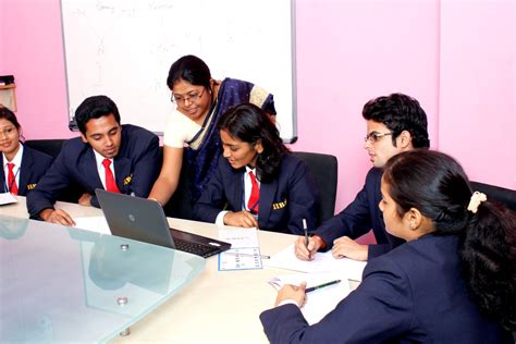 Difference Between Mba And Regular Mba by Why Regular Mba Is Superior To Distance Learning