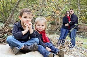 family of 4 fall pose family portrait pose ideas pinterest