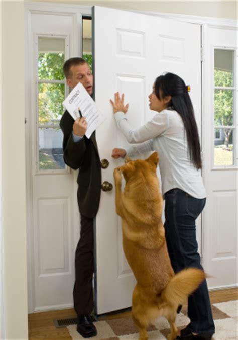 come vendere porta a porta venditori porta a porta come devono comportarsi consumatore
