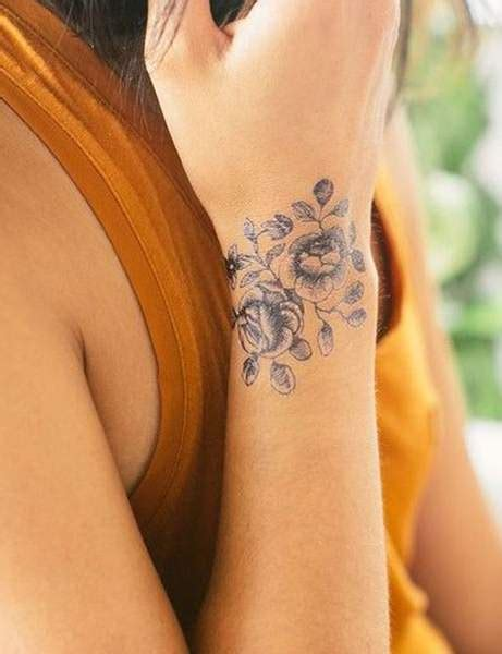 les plus jolis tatouages pour poignet de pinterest femme