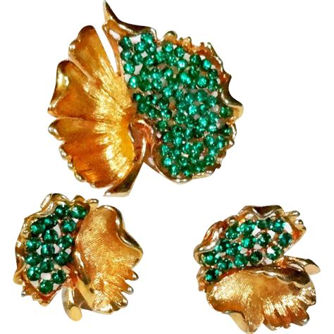 Bsk Green bsk green rhinestone open work pierced leaf brooch