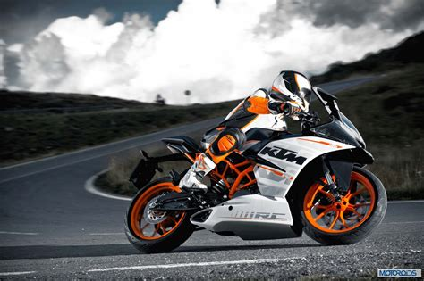Ktm On Road Road Ktm Rc390 Vs Kawasaki 300 Tech Specs And Features