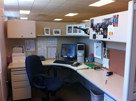 work office ideas all things homie cubicle decorating