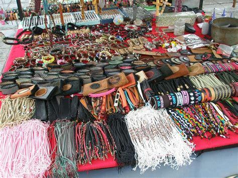 craft markets craft market ecuador travellerspoint travel photography