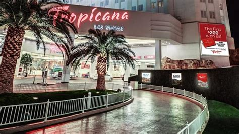 hton inn tropicana hotel amenities for tropicana las vegas nv doubletree