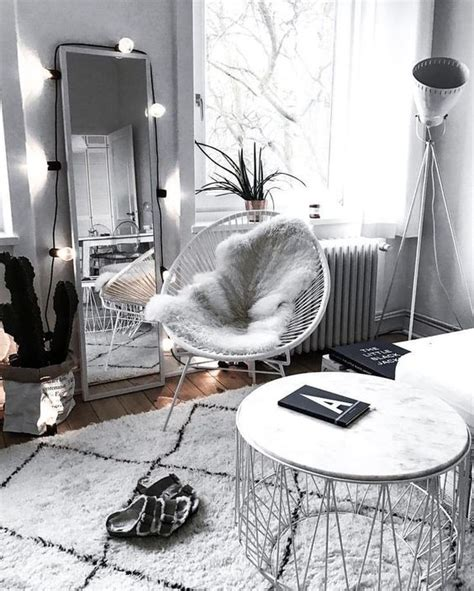 Cermin Yang Panjang lupakan meja solek ganti dengan cermin panjang untuk