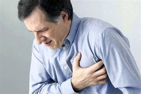 imagenes de corazones saliendo del pecho cu 225 ndo el dolor en el pecho es serio y ocupas un doctor