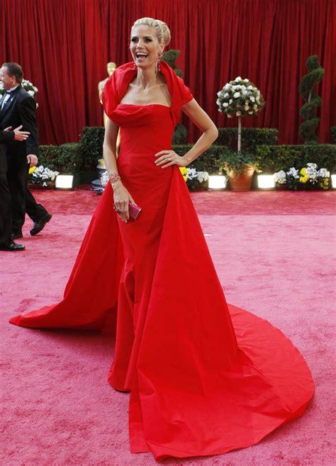 dresses prevail on oscar carpet