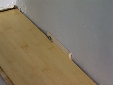 Laying Laminate Flooring How To Install Laminate Flooring How Tos Diy
