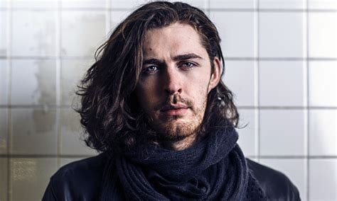 hozier 2018 haircut beard eyes weight measurements