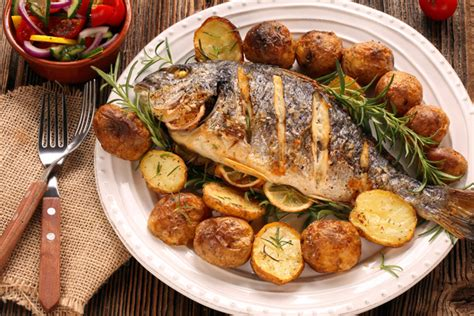 cucinare pesce al forno pesce al forno 10 consigli per non sbagliare