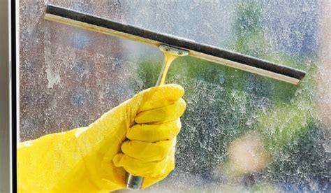 Fenster Putzen Ohne Abzieher by Fenster Streifenfrei Putzen Mit Dem Richtigen Material