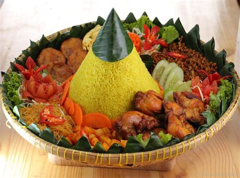 ara membuat nasi kuning national dish tumpeng of indonesia 123countries com