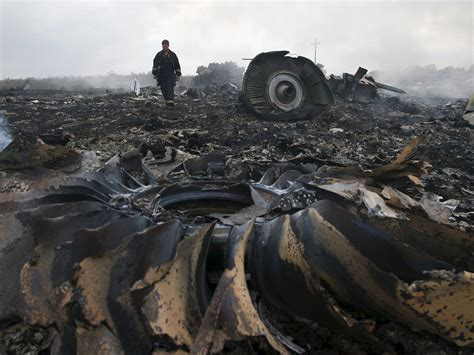 malaysia airlines flight 17 shot down in ukraine how did mh17 buk missile system used to down plane transported