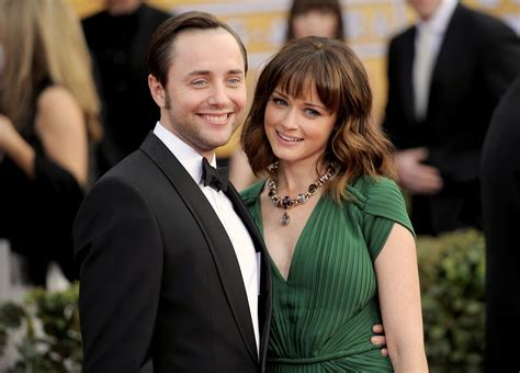 Vincent Kartheiser & Alexis Bledel   15 Celebrity Couples