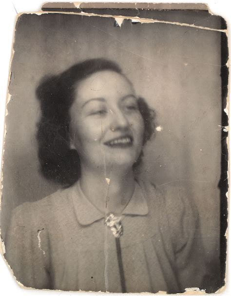 retro photos file vintage photobooth jpg wikimedia commons
