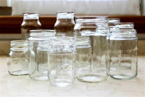 riciclare vasi di vetro come riciclare i vecchi barattoli 20 modi originali per