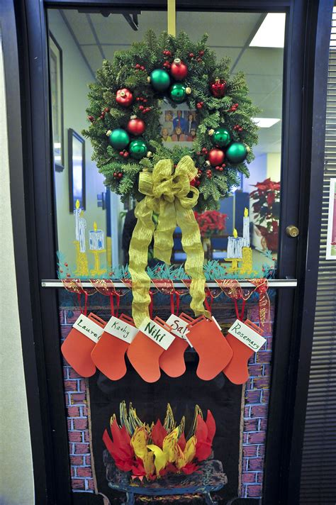 office christmas door decorating contest december 2009 sanjac watercooler