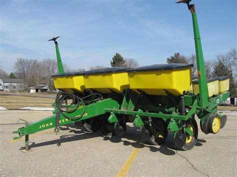 Row Crop Planter by Usagnet Deere 7000 Row Crop Planters For Sale