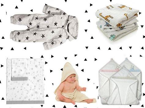 come fare il bagno al neonato bagno al mare neonato bimbi al mare i consigli per fare