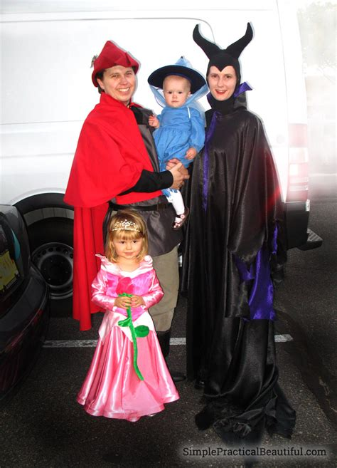 family costumes  halloween simple practical beautiful