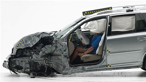 volvo xc earns institutes top safety award