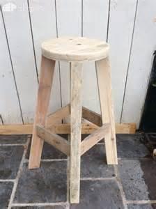Kids Craft Room Ideas - pallet bar bar stools sofas amp man table 1001 pallets
