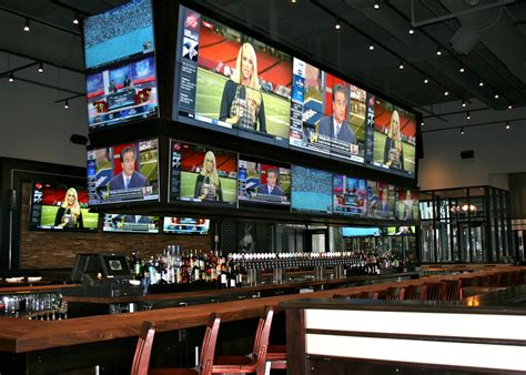 Top Sports Bars by Best Sports Bars Boston Has For Top Snacks And Big