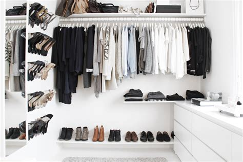 Cheap Walk In Closet by Cheap Walk In Closet Simple Chic