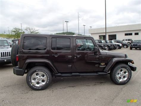 Rugged Brown Pearl 2013 Jeep Wrangler Unlimited Sahara 4x4