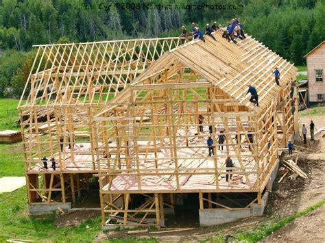 Amish Building A Barn amish barn raising easton maine