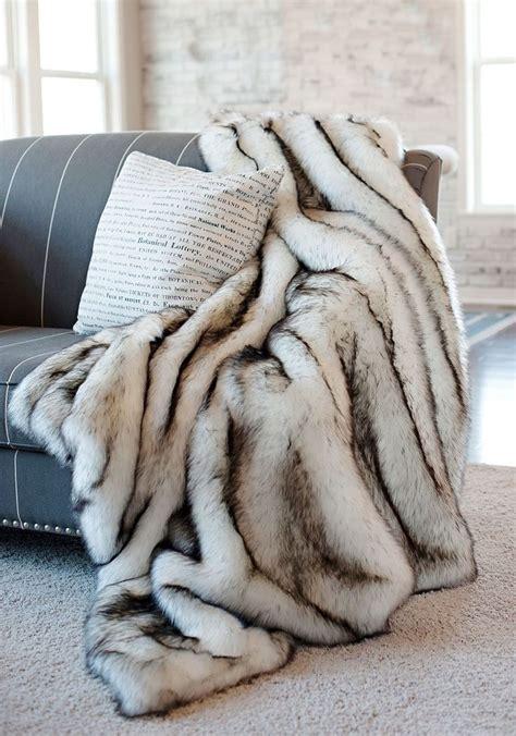 Decke Fellimitat by Best 25 Fur Throw Ideas On Comfy Bed White