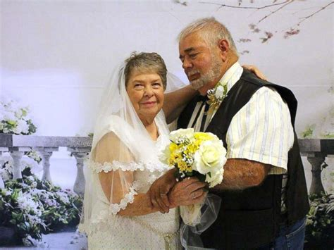 Wedding Vows For Couples by 9 Elderly Couples Renew Marriage Vows At Senior Care Center