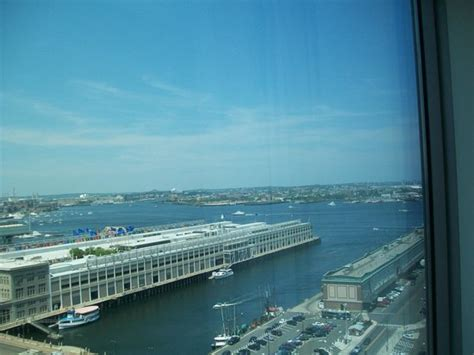 10 Guest Floor 4 Boston Ma - king bed room picture of renaissance boston waterfront