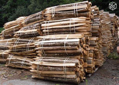 piquet bois cloture 5836 piquet de cl 244 ture en bois de chataignier rustic