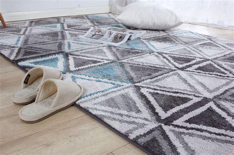 tappeti per casa come pulire i tappeti in casa consigli e rimedi fai da te