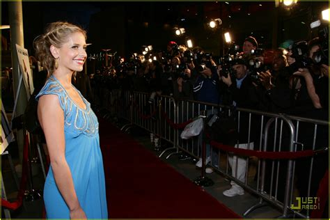 Geller In Temperley For The Premier The Air I Breathe by Gellar Is Brilliant Blue Photo 855891