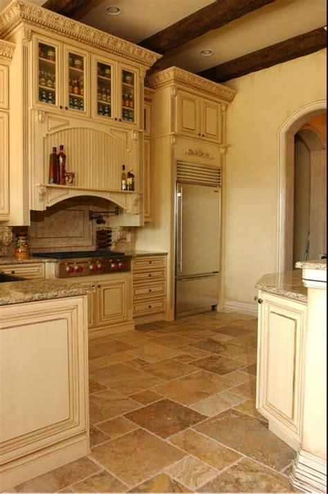 tuscan style flooring 1000 ideas about tuscan kitchen design on