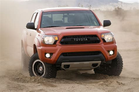 2015 toyota tacoma trd pro front view photo 305343