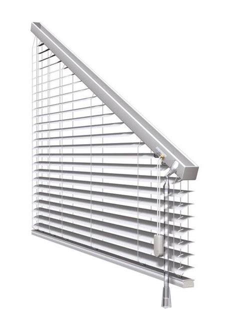 jalousie dreiecksfenster sonnenschutz f 252 r fenster innen im raum f 252 rstenfeldbruck