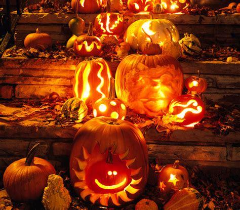 decorare zucche di halloween come decorare la casa ad halloween leitv