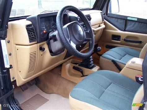 jeep sahara interior green khaki interior 1998 jeep wrangler sahara 4x4 photo