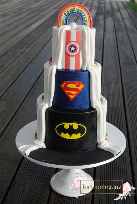 Hochzeitstorte Batman by Hochzeitstorte Im Marvel Superhelden Design Torteneleganz