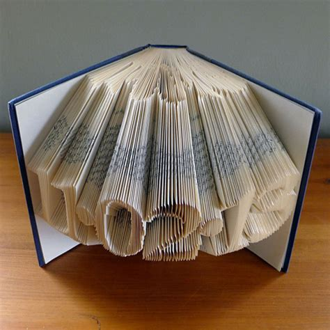 Creative Folding Paper - amazingly creative sculptures on folded book paper