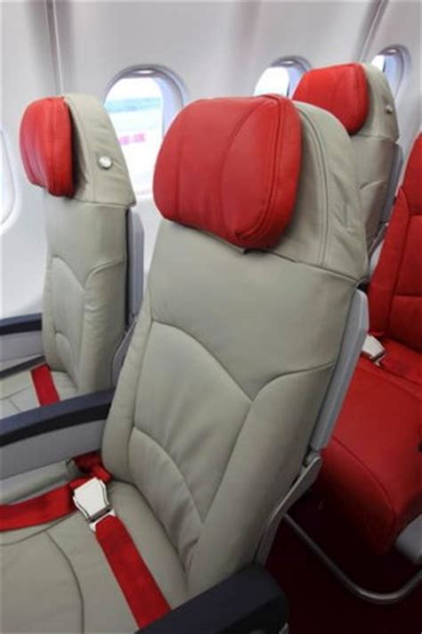 airasia twin seat airline review airasia x economy class flight test