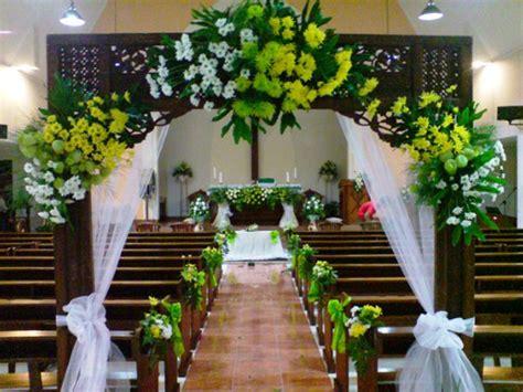 dekorasi bunga  pernikahan  gereja toko karangan