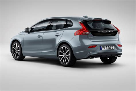 volvo hatchback volvo v40 hatchback pictures carbuyer