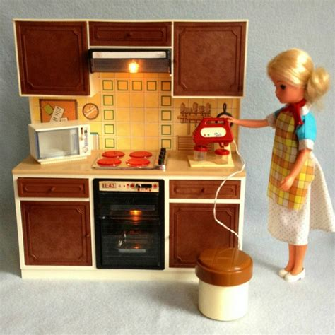 sindy doll house furniture vintage sindy working cooker mixer kitchen unit for super