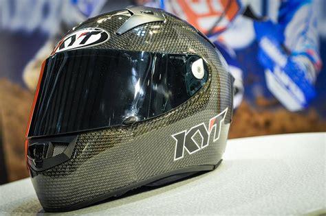 Helm Kyt Carbon intip kerennya helm kyt thunder flash carbon fiber pakai titanium dan magnesium buatan italy