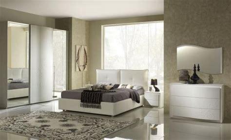 günstig bett schlafzimmer farbgestaltung